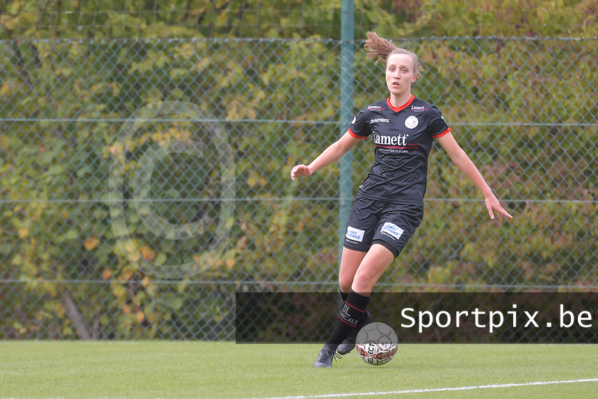 defender Ella Vierendeels (4 Zulte-Waregem) pictured during a female soccer game between Standard Femina de Liege and Dames SV Zulte Waregem on the fifth matchday of the 2020 - 2021 season of Belgian Scooore Womens Super League , saturday 17 th of October 2020  in Angleur , Belgium . PHOTO SPORTPIX.BE | SPP | STIJN AUDOOREN