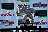 Monster Energy NASCAR Cup Series<br /> Apache Warrior 400<br /> Dover International Speedway, Dover, DE USA<br /> Sunday 1 October 2017<br /> Kyle Busch, Joe Gibbs Racing, M&M's Caramel Toyota Camry wins<br /> World Copyright: Rusty Jarrett<br /> LAT Images