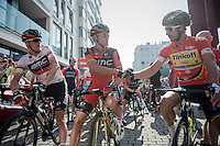 Race leader Rohan Dennis (AUS/BMC) witnesses Olympic Champion Greg Van Avermaet (BEL/BMC) shaking hands on the start line with World & (freshly) European Champion Peter Sagan (SVK/Tinkoff)<br /> <br /> <br /> 12th Eneco Tour 2016 (UCI World Tour)<br /> stage 3: Blankenberge-Ardooie (182km)