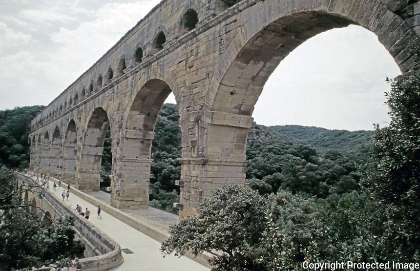 Footbridge on the Pont du Gard aqueduct