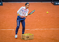 Den Bosch, The Netherlands, April 15, 2021,    Maaspoort, Billy Jean King Cup  Netherlands -  China : practice, coach EliseTamaëla (NED)<br /> Photo: Tennisimages/Henk Koster