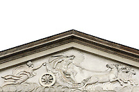 Decorazione in bassorilievo sul timpano della facciata del Teatro alla Scala a Milano.<br /> Bas-relief decoration on the tympanum of La Scala opera house's facade in Milan.<br /> UPDATE IMAGES PRESS/Riccardo De Luca