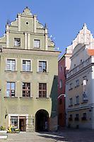 Gebäude am alten Marktplatz (Stary Rynek) in Posnan (Posen), Woiwodschaft Großpolen (Województwo wielkopolskie), Polen Europa<br /> Old Market Place (Stary Rynek) in Pozan, Poland, Europe
