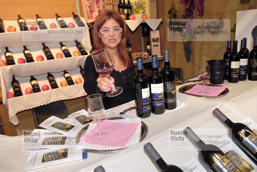 - truffle market in Alba,  tasting of typical wines....- mercato dei tartufi ad Alba, degustazione di vini tipici