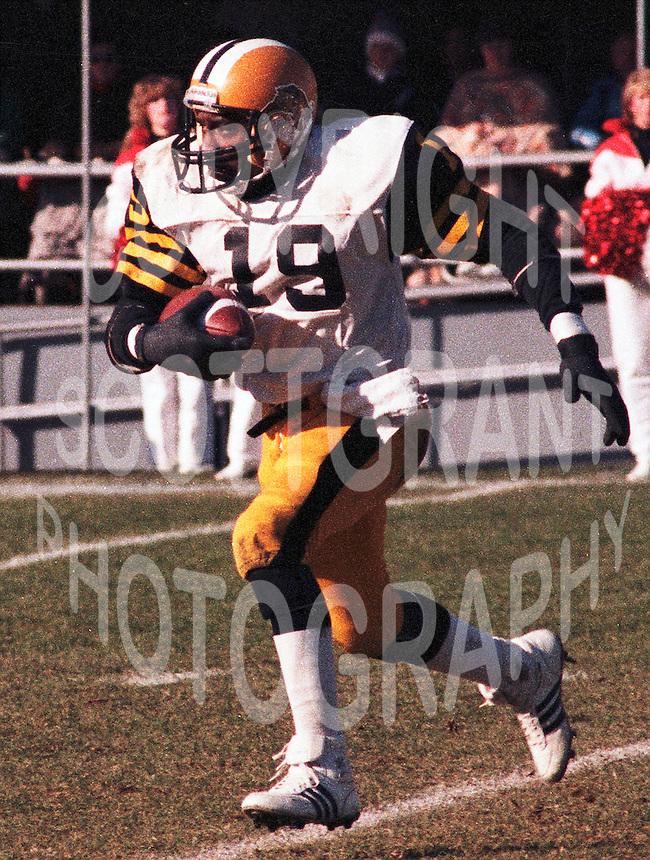Johnny Shepherd Hamilton Tiger Cats 1983. Copyright photograph Scott Grant