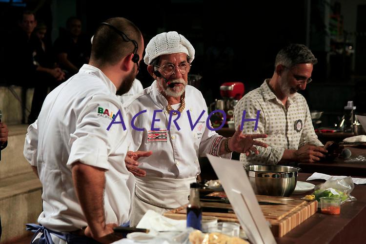 Ofir Nobre de Oliveira, durante o evento<br /> <br /> Encontro Mundial das Cidades Criativas da Gastronomia.<br /> <br /> Pela primeira vez, o Encontro Mundial das Cidades Criativas da Gastronomia vai desenvolver um formato inédito em Belém, quando alguns dos eventos da programação serão abertos ao público. Em suas cinco edições anteriores - realizadas nas cidades de Gaziantep, Turquia (fevereiro de 2016), Phuket, Tailândia (abril de 2017), Parma, Itália (maio de 2017), Bergen, Noruega (agosto de 2017), e Dénia, Espanha (setembro de 2017) -, o Encontro foi voltado exclusivamente ao Comitê da Unesco. Na capital paraense, sexta cidade a sediar o Encontro, a organização apostou na importância de incluir estudantes, pesquisadores, cozinheiros e público em geral no evento internacional, gratuitamente.<br /> <br /> Estratégias para potencializar negócios e a sustentabilidade no setor da culinária na região também estão no foco do Encontro, o primeiro grande evento após Belém ter conquistado o título mundial de Cidade Criativa da Gastronomia pela Unesco, em 2015, concedido a apenas 18 localidades em todo o mundo.<br /> <br /> Para o Encontro realizado em Belém, está confirmada a participação de 16 representantes da Unesco vindos da China, Líbano, Colômbia, Estados Unidos, Suécia, México, Coréia do Sul, Irã, Itália, Espanha e Colômbia. Quinze chefs convidados, entre brasileiros e estrangeiros, também estarão presentes.