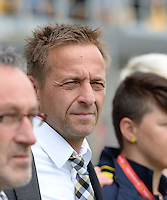 20150514 - BEVEREN , BELGIUM : Lierse's head coach Daniel Simmes  pictured during the final of Belgian cup, a soccer women game between SK Lierse Dames and Club Brugge Vrouwen , in stadion Freethiel Beveren , Thursday 14 th May 2015 . PHOTO DAVID CATRY