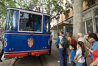 Spanien, Barcelona, Straßenbahn Tramvia Blau auf den Tibidabo