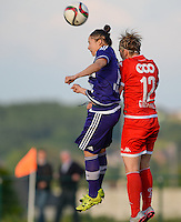 20160520 - TUBIZE , BELGIUM : Anderlecht's Lola Wajnblum (left) pictured with Standard's Julie Gregoire (right) during a soccer match between the women teams of RSC Anderlecht and Standard Femina de Liege , during the sixth and last matchday in the SUPERLEAGUE Playoff 1 , Friday 20 May 2016 . PHOTO SPORTPIX.BE / DAVID CATRY