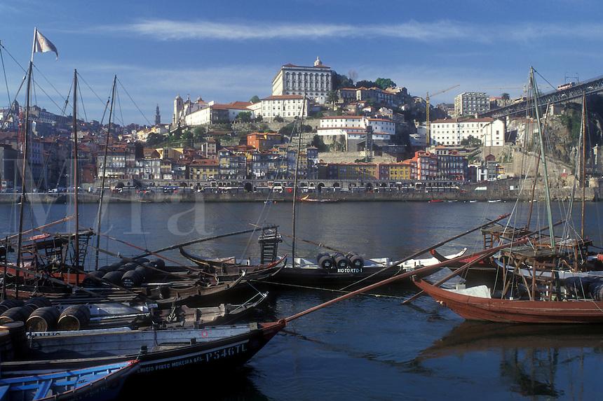 AJ0857, Portugal, Porto, Barcos rabelos (boats) on the Rio Douro in Porto used to transport Port Wine barrels.