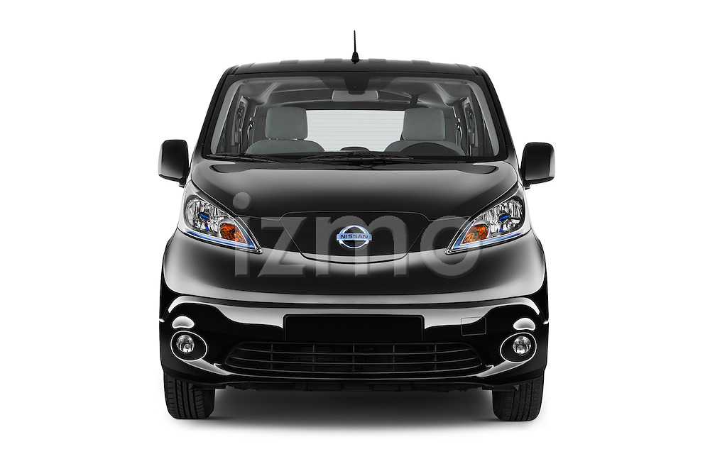 Car photography straight front view of a 2016 Nissan E-Nv200-Evalia Connect-Edition 5 Door Mini MPV Front View