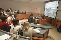 - commercial university Luigi Bocconi....- università commerciale Luigi Bocconi