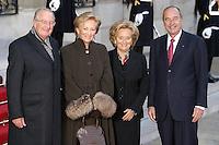 Le Roi Albert II et la Reine Paola de Belgique ont ete reÁus, par le President Jacques CHIRAC et son epouse Bernadette, a l'Elysee, pour une Visite d'Etat. #