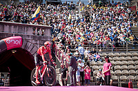 Jan Bakelants (BEL/Sunweb) entering the Verona amphitheater after finishing the closing iTT<br /> <br /> Stage 21 (ITT): Verona to Verona (17km)<br /> 102nd Giro d'Italia 2019<br /> <br /> ©kramon