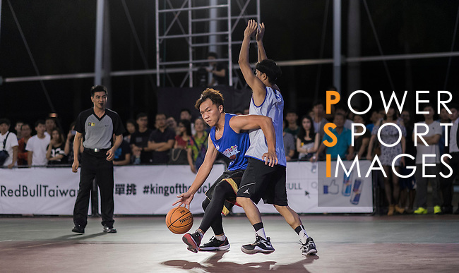 Competitors in action during the Red Bull King of the Rock Taiwan National Finals on July 18, 2015 at the Kaohsiung University basketball court in Kaohsiung, south Taiwan. Photo by Victor Fraile / Power Sport Images