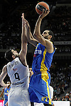 Real Madrid's Felipe Reyes (l) and Maccabi Electra Tel Aviv's Brian Randle during Euroleague match.March 27,2015. (ALTERPHOTOS/Acero)