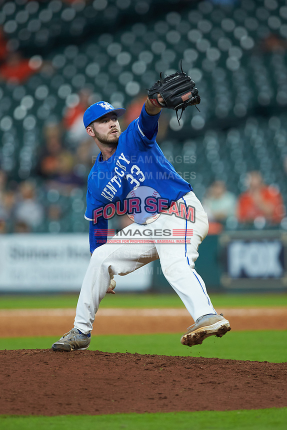 Kentucky Wildcats relief pitcher Chris Machamer (33) in action against the Louisiana Ragin' Cajuns in game seven of the 2018 Shriners Hospitals for Children College Classic at Minute Maid Park on March 4, 2018 in Houston, Texas.  The Wildcats defeated the Ragin' Cajuns 10-4. (Brian Westerholt/Four Seam Images)