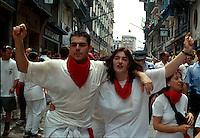 Spanien, Navarra, Pamplona, Teilnehmer der Fiesta, San Fermin