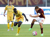Calcio, Serie A: Frosinone vs Roma. Frosinone, stadio Comunale, 12 settembre 2015.<br /> Roma's Francesco Totti, right, is challenged by Frosinone's Raman Chibsah during the Italian Serie A football match between Frosinone and Roma at Frosinone Comunale stadium, 12 September 2015.<br /> UPDATE IMAGES PRESS/Riccardo De Luca