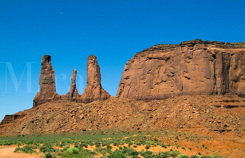 Monument Valley, Utah Mittens and desert, USA, National Park