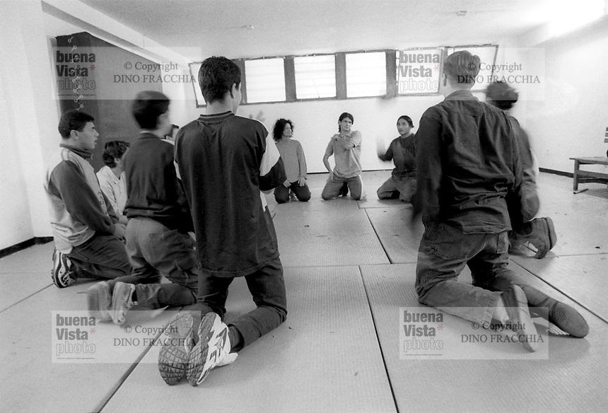 - jail for minors Beccaria, theater activity....- carcere minorile Beccaria, attività teatrale