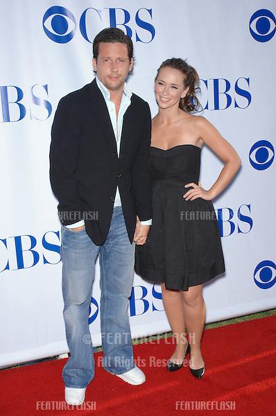 """Jennifer Love Hewitt & Ross McCall at the CBS Summer Press Tour """"Stars Party 2007"""" on the Wadsworth Theatre Great Lawn..July 20, 2007  Los Angeles, CA.Picture: Paul Smith / Featureflash"""