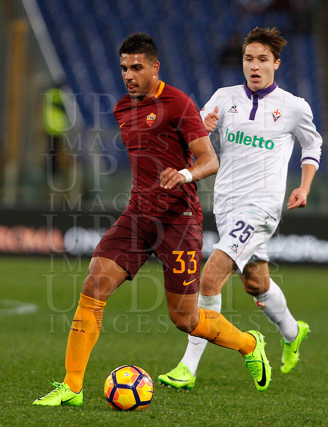 Calcio, Serie A: Roma vs Fiorentina. Roma, stadio Olimpico, 7 febbraio 2017.<br /> Roma's Emerson Palmieri, left, is chased by Fiorentina's Federico Chiesa during the Italian Serie A soccer match between Roma and Fiorentina at Rome's Olympic stadium, 7 February 2017.<br /> UPDATE IMAGES PRESS/Riccardo De Luca