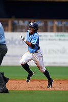 Charlotte Stone Crabs second baseman Kean Wong (4) running the bases during a game against the Dunedin Blue Jays on July 26, 2015 at Charlotte Sports Park in Port Charlotte, Florida.  Charlotte defeated Dunedin 2-1 in ten innings.  (Mike Janes/Four Seam Images)