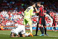 Asmir Begovic of Bournemouth argues with Simon Francis after Jordan Ayew of Swansea City is allowed a free shot on goal during the Premier League match between AFC Bournemouth and Swansea City at Vitality Stadium in Bournemouth, England, UK. Saturday 05 May 2018