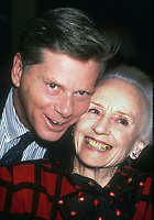 Robert Morse Jessica Tandy1362.JPG<br /> 1990 FILE PHOTO<br /> New York, NY<br /> Robert Morse Jessica Tandy 1990<br /> Photo by Adam Scull/PHOTOlink.net<br /> 917-754-8588 - eMail: adam@photolink.net<br /> Facebook: https://www.facebook.com/adam.scull.94