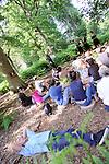 CHORALE<br /> <br /> De et avec : Laetitia Dosch, Tiphanie Bovay-Klameth, Michèle Gurtner, François Gremaud<br /> Administration, production, diffusion : mm - Michaël Monney<br /> Production : 2b company<br /> Cadre : Festival des Fabriques<br /> Parc Jean Jacques Rousseau<br /> le 27/06/2015<br /> (C)2015 Laurent paillier / photosdedanse.com, tous droits r