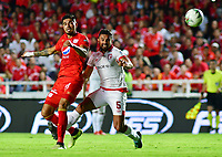 CALI-COLOMBIA , 28-02-2019.Juian Guevara(Izq.) Jugador del América de  Cali disputa el balón con Andrés Pérez (Der.) jugador del Independiente Santa Fe durante partido por la fecha 7 de la Liga Águila I 2019 jugado en el estadio Pascual Guerrero de la ciudad de Cali./ Julian Guevara (L) player of America de Cali   fights for the ball with  ndres Perez (R) player of Independiente Santa Fe during the match for the date 7 of the Aguila League I 2019 played at Pascual Guerrero stadium in Cali city. Photo: VizzorImage/ Nelson Rios / Contribuidor