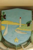 France, Gironde (33), Bassin d'Arcachon, Le Cap-Ferret: le Blason sur la façade de l'Hôtel de Ville  // France, Gironde, Bassin d'Arcachon, Le Cap Ferret, Coat of arms on the facade of the Town Hall