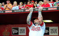 Apr. 6, 2012; Phoenix, AZ, USA; Arizona Diamondbacks third baseman Ryan Roberts prior to the game against the San Francisco Giants during opening day at Chase Field.  The Diamondbacks defeated the Giants 5-4. Mandatory Credit: Mark J. Rebilas-