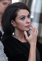"""L'attrice Maria Grazia Cucinotta durante la conferenza stampa di presentazione dello spettacolo teatrale """"Ferite a morte"""" nel programma della celebrazioni della Giornata internazionale contro la violenza sulle donne all'Onu, a Roma, 7 novembre 2013.<br /> UPDATE IMAGES PRESS/Isabella Bonotto"""