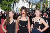 Elisa Paris, Juliette Saumagne et Lucie Lebrun du groupe des 'LEJ' - CANNES 2016 - MONTEE DES MARCHES DU FILM 'LA FILLE INCONNUE'