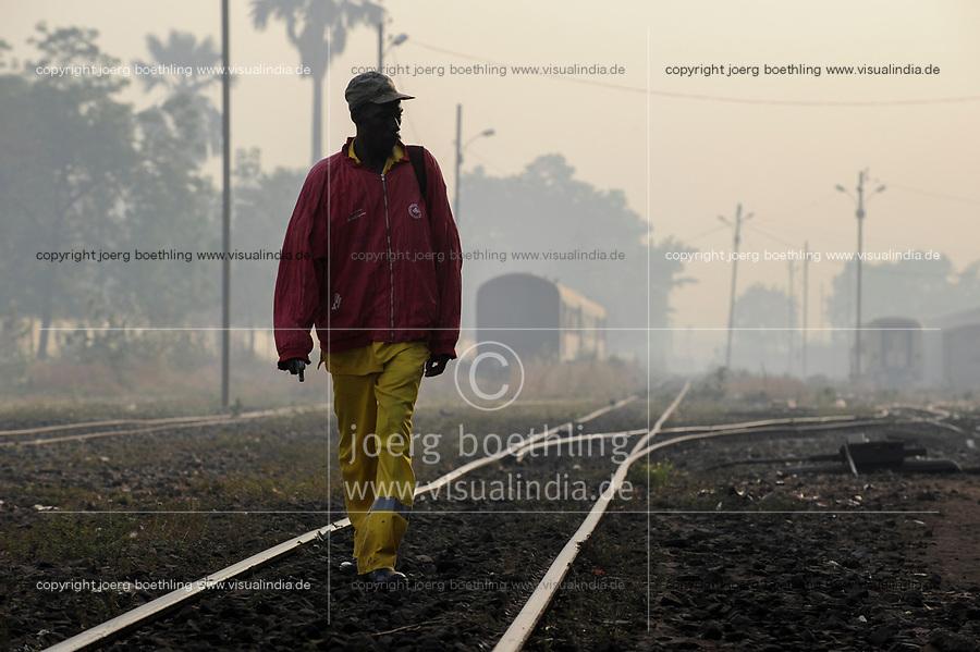 MALI, Bamako , railway station, railway line Dakar–Niger connecting Dakar in Senegal with Koulikoro in Mali, track inspection