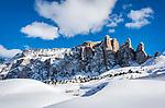 Italien, Suedtirol (Trentino - Alto Adige), Groednertal oberhalb von Wolkenstein an der Sellajoch Passstrasse: Sellagruppe nit den Sellatuermen rechts (Torri del Sella) | Italy, South Tyrol (Trentino -Alto Adige) above Selva di Val Gardena at Passo Sella: Sella Mountain Range with Torri del Sella (right)