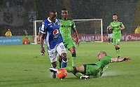 BOGOTA -COLOMBIA, 5-02-2017. Jair Palacios (R) player of Millonarios  fights for the ball with Andres Correa (L) player of Independiente Medellin  during match for the date 1 of the Aguila League I 2017 played at Nemesio Camacho El Campin stadium . Photo:VizzorImage / Felipe Caicedo  / Staff