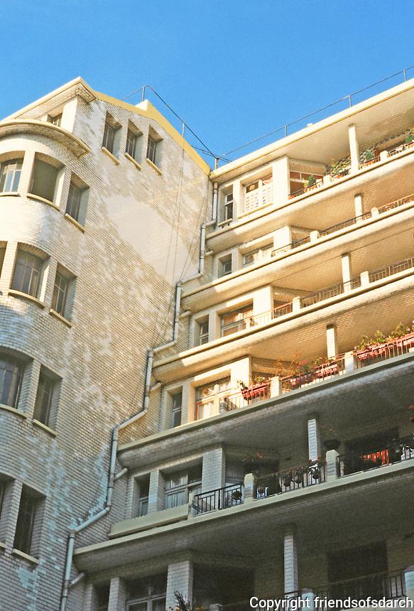 Henri Sauvage: Rue Hermann--La Chapelle, Paris. Flats. Photo '90.