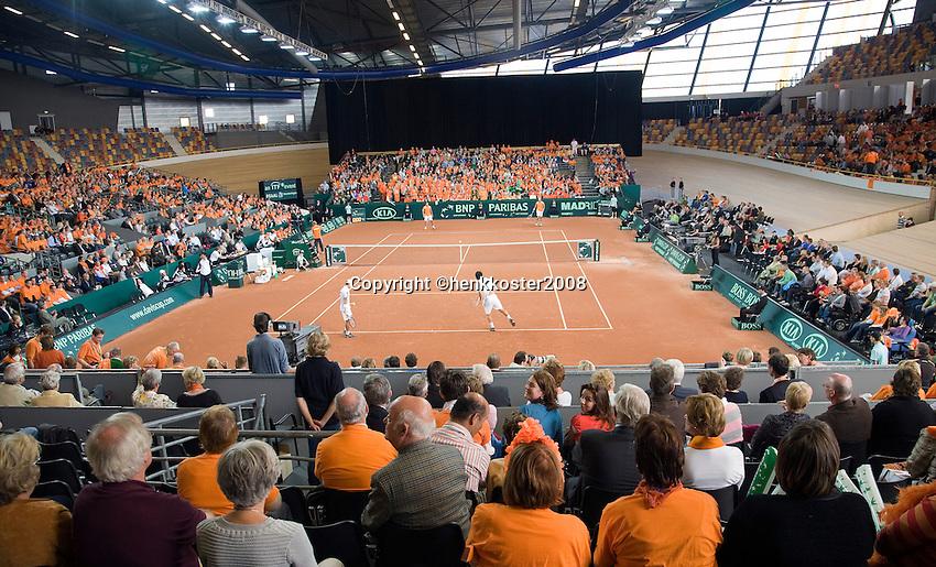 20-9-08, Netherlands, Apeldoorn, Tennis, Daviscup NL-Zuid Korea, Dubbles match: Jesse Huta Galung and Peter Wessels  vs  HyungTaik Lee and WongSun Jun, overall view