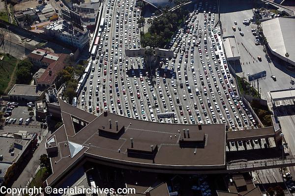 aerial photograph of the San Ysidro, Tijuana border crossing at the  Mexican American border | fotografía aérea del cruce fronterizo de San Ysidro, Tijuana, en la frontera mexicano-americana
