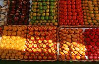 France/06/Alpes Maritimes/Nice: Cours Saleya, pâtes d'amandes de provences sur le marché