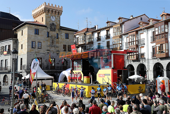 Sign on before the start of Stage 10 of the Vuelta Espana 2020 running 187.4km from Castro Urdiales to Suances, Spain. 30th October 2020.    <br /> Picture: Luis Angel Gomez/PhotoSportGomez | Cyclefile<br /> <br /> All photos usage must carry mandatory copyright credit (© Cyclefile | Luis Angel Gomez/PhotoSportGomez)