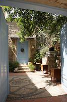 Garden of the Tash Mahal boutique hotel, Alacati, Turkey