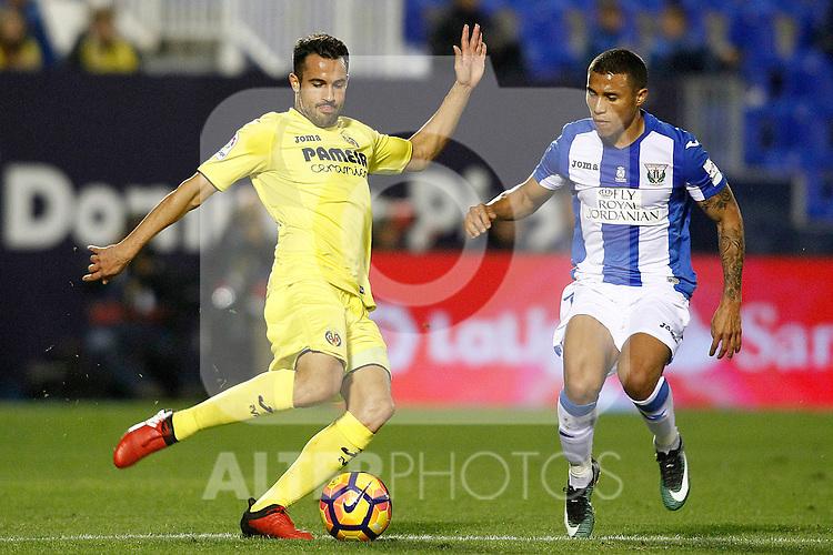 CD Leganes' Darwin Machis (r) and Villarreal CF's Mario Gaspar during La Liga match. December 3,2016. (ALTERPHOTOS/Acero)