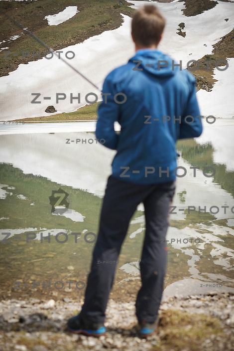3.6.2014 STANS / UR PORTRAIT VON DANIEL ARNOLD (1984) IST EIN SCHWEIZER EXTREMBERGSTEIGER BEIM FISCHEN AM SPILAUERSEE IM KANTON URI<br /> <br /> <br /> COPYRIGHT © ZVONIMIR PISONIC
