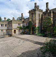 Although Haddon Hall was begun in the 1100s, its lower cobbled courtyard constructed out of local stone dates from around 1450