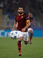 Calcio, Champions League, Gruppo E: Roma vs Bayer Leverkusen. Roma, stadio Olimpico, 4 novembre 2015.<br /> Roma's Mohamed Salah in action during a Champions League, Group E football match between Roma and Bayer Leverkusen, at Rome's Olympic stadium, 4 November 2015.<br /> UPDATE IMAGES PRESS/Isabella Bonotto