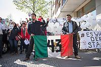 """Am Donnerstag den 23. April 2015 protestierten Angehoerige und Freunde von 43 Studenten die im September 2014 Mexiko ermordet wurden vor der mexikanischen Botschaft in Berlin.<br /> Polizisten hatten die Studenten in der Stadt Iguala entfuehrt und sie der kriminellen Organisation """"Guerreros Unidos"""" uebergeben. Der Mord wurde bis heute nicht aufgeklaert und die mexikanische Regierung behindert bis heute die Aufklaerung.<br /> Die Demonstranten forderten endlich eine Aufklaerung ueber die Morde und dass die Verantwortlichen zur Rechenschaft gezogen werden.<br /> Im Bild vlnr. an der Fahne: Omar Garcia, Studienkollege der 43 Verschwundenen; Eleucadio Ortega Carlos, Vater des ermordeten Studenten Mauricio Ortega Valerio.<br /> 23.4.2015, Berlin<br /> Copyright: Christian-Ditsch.de<br /> [Inhaltsveraendernde Manipulation des Fotos nur nach ausdruecklicher Genehmigung des Fotografen. Vereinbarungen ueber Abtretung von Persoenlichkeitsrechten/Model Release der abgebildeten Person/Personen liegen nicht vor. NO MODEL RELEASE! Nur fuer Redaktionelle Zwecke. Don't publish without copyright Christian-Ditsch.de, Veroeffentlichung nur mit Fotografennennung, sowie gegen Honorar, MwSt. und Beleg. Konto: I N G - D i B a, IBAN DE58500105175400192269, BIC INGDDEFFXXX, Kontakt: post@christian-ditsch.de<br /> Bei der Bearbeitung der Dateiinformationen darf die Urheberkennzeichnung in den EXIF- und  IPTC-Daten nicht entfernt werden, diese sind in digitalen Medien nach §95c UrhG rechtlich geschuetzt. Der Urhebervermerk wird gemaess §13 UrhG verlangt.]"""